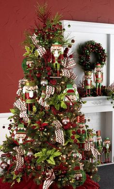 RAZ Imports 2015 - Merry! Merry! Merry! Tree /Whitney would like the Nutcracker Theme