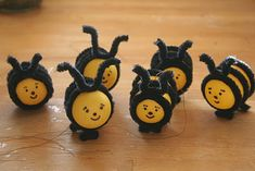 bee decoration. Pipe cleaner, black market and hard boiled eggs! Super cute!