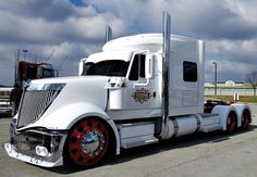 Custom #Semi #Redline    www.RedlineVisualPerformance.com