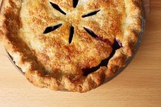 How to Make the BEST Flaky Pie Crust - all the professional tips and tricks!