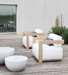 Very stylish wooden garden furniture | adamchristopherdesign.co.uk