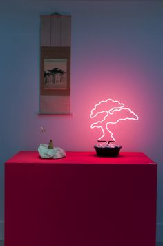 *** pink neon bonsai - Design At Home もっと見る Interior Plants, Interior And Exterior, Interior Design, Estilo Kitsch, Neon Rose, Design 3d, Plant Box, All Of The Lights, Marquee Lights