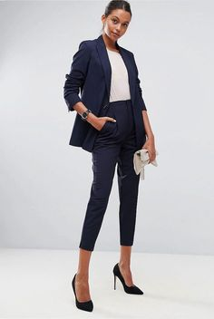 2019 womens suit combinations navy blue pocket pencil pants white blouse navy blue short jacket black stiletto shoes cream hand bag - Lilly is Love Business Outfits, Business Attire, Office Outfits, Work Outfits, Office Wear, Business Women, Business Fashion, Vest Outfits, Casual Outfits