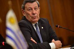 Trabajadores uruguayos no van a perder ningún derecho por TLC dijo Nin - El Observador