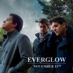 Conoce a Everglow, trío nacido en Vallecas en 2011, centrado en el rock tocando el pop y el punk. Su música se caracteriza por ser bastante potente y directa, con un sonido sucio, partes instrumentales y estribillos pegadizos. Descúbrelos en https://soundcloud.com/everglow_music con descarga gratuita!