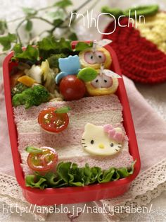 Hello Kitty Sandwich Bento - love the tomatoes and the crab and egg wrap