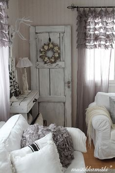 ♥ Decorating with doors