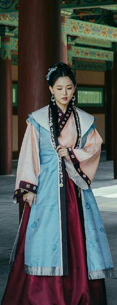 Korean Traditional, Traditional Outfits, Scarlet Heart, The Empress, Korean Dress, Moon Lovers, Royal Princess, Lee Joon, Sari