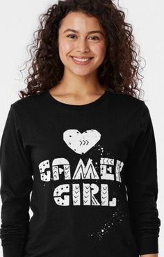 Shirt with the Tex, Gamer Girl and a heart in graffiti style. For women with big hearts who love video games. The perfect gift for any LAN party. Comfortable to wear.