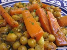 Carrot and chickpea tagine with thermomix - Thermomix recipe - tajine thermomix - Vegetarian Recipes Vegetarian Tagine, Vegetarian Recipes, Cooking Recipes, Healthy Recipes, Moroccan Spice Blend, Moroccan Spices, Moroccan Tagine Recipes, Vegan Thermomix, Gastronomia