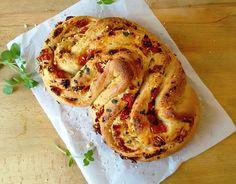 Receita deliciosa de pão dobrado, preparada na Cooking Chef da kenwood. uma receita simples, deliciosa e rápida de cozinhar.