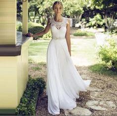 Beach wedding dress, Vintage wedding dress,Bohemian wedding dress,Ivory wedding dress,Lace wedding dress,Bridal gown,Sexy wedding dress, von JulietBridalBoutique auf Etsy https://www.etsy.com/de/listing/271686712/beach-wedding-dress-vintage-wedding
