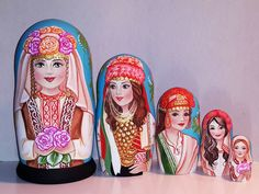 Country beauties -Bulgaria Matryoshka www.matrioskas.es