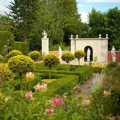 Yew Garden & Nymphaeum 1