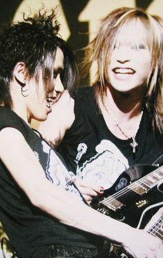 Aoi and Uruha. The GazettE.