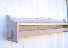 Quilt Rack Towel Rack Shabby Chic Home Decor Cottage Chic Farmhouse Country by Starkfurnishings on Etsy Shabby Chic Quilt Rack, Shabby Chic Shelves, Shabby Chic Homes, Shabby Chic Decor, Quilt Hangers, Quilt Racks, Quilt Storage, Cottage Chic, Baby Applique