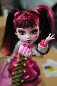 my draculaura doll