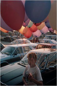 Balloon boy by David Alan Harvey+ Color Photography, Street Photography, Fashion Photography, Artistic Photography, David Alan Harvey, Famous Photographers, Great Pictures, Nice Photos, Magnum Photos