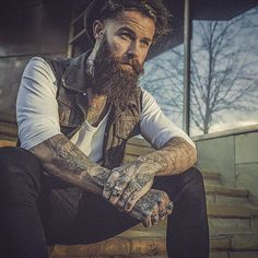 The Beard Collective | –> @shaun_garvey | photo: @liamoakesphoto