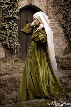 Costumes: Dresses & Gowns – Olive green velvet Houpelande gown based on Rogier Van Der Weyden's painting of Maria Magdalene studying Medieval Costume, Medieval Dress, Medieval Fashion, Medieval Clothing, Historical Costume, Historical Clothing, Historical Photos, Moda Medieval, Medieval Fair