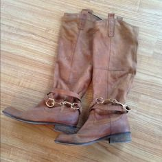 Steve Madden brown boots Had worn this five times awesome boots,the boots were made to look rustic .They are in great condition.No damage Steven by Steve Madden Shoes Winter & Rain Boots