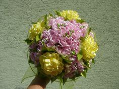ružovo-žltá saténová kytica