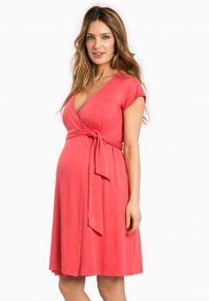 Envie de Fraise // Portefeuille Maternity Dress #MaternityStyle #Maternity #Fashion #BumpStyle #Mumtobe #BabyBump #CoralDress