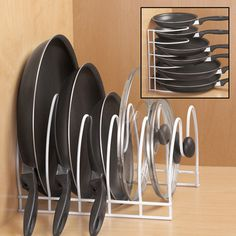 50 Easy and Simple Tips For Organizing Your RV's Kitchen Room Kitchen Organization Pantry, Home Organisation, Diy Kitchen Storage, Home Decor Kitchen, Kitchen Interior, New Kitchen, Home Kitchens, Cheap Kitchen, Kitchen Counters