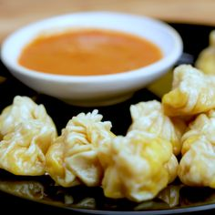 The perfect seafood dumplings to share with your mates! Maggi Recipes, Spicy Recipes, Vegetarian Recipes, Cooking Recipes, Veg Food Recipes, Snacks Recipes, Wan Tan, Chaat Recipe, Veg Momos Recipe Video