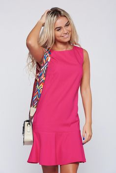 Top Secret darkpink easy cut dress with ruffles at the buttom of the dress, back zipper fastening, ruffles at the buttom of the dress, sleeveless, easy cut, airy fabric