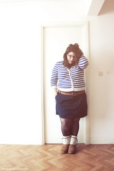 I love this navy skirt ! #curvy #plussize #psblogger #fatshion #frenchcurves