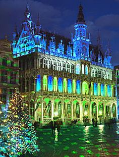 Grand Place in Brussels, Belgium.  Our tips for things to do in Brussels: http://www.europealacarte.co.uk/blog/2011/07/21/things-to-do-brussels/