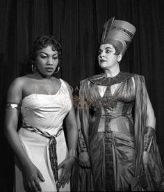 Leontyne Price in her signature role as Aida with Giulietta Simionato as Amneris at La Scala, 1960.