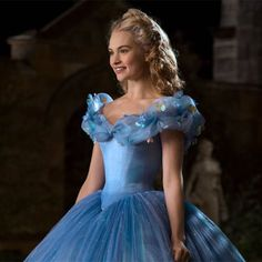 Lily James looks chic in floral dress as she promotes Cinderella Cinderella Cosplay, Cinderella Movie, Cinderella Disney, Cinderella Dresses, Walt Disney, Cinderella Princess, Disney Princesses, Lily James, Cinderella Live Action