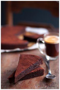 Fondant au chocolat très « sage » ( IG Bas, Sans Gluten, Sans Lait ) // Blog Saines Gourmandises // À tester avec la Tablette DESSERT Chocolat Noir Corsé 70% # bio #équitable #KAOKA