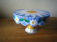 Daisy Cake Plate Stand