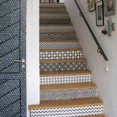 black and white wallpaper patterns for stair risers