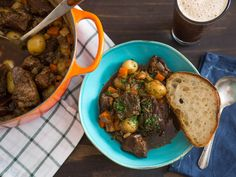 Irish beef stew made with Guinness is a pub classic, but the truth is that Guinness loses a lot of its already-mild roasted flavor during the time it takes to cook a stew. This version fixes that by reinforcing the beer& flavors. Potato Recipes, Beef Recipes, Soup Recipes, Vegetable Recipes, Chicken Recipes, Hearty Stew Recipe, Beef And Potato Stew, Potato Pie, Guinness Beef Stew