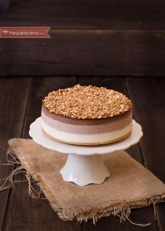 Tarta Tres Chocolates, la receta más fácil ¡te enamorará! , La tarta tres chocolates es una tarta espectacular, pero además nosotros tenemos la mejor receta de tarta tres chocolates del mundo, ¡pruébala!
