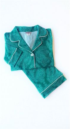 BedHead Jade Mandala L/S Stretch Classic PJ worn by Mindy Lahiri on The Mindy Project.