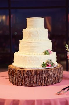 Rustic wedding cake. Photo by Joshua Aull Photography. www.wedsociety.com #wedding #cake
