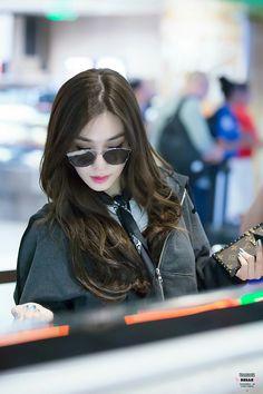 Tiffany *-* Tiffany Girls, Snsd Tiffany, Tiffany Hwang, Girls' Generation Tiffany, Generation Photo, Girls Generation, Snsd Fashion, Girl Fashion, Fashion Outfits