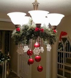 25 Glamour Christmas Chandelier Ideas for Your Home Decoration- - chandeliers. - 25 Glamour Christmas Chandelier Ideas for Your Home Decoration- – chandeliers. Christmas Chandelier Decor, Noel Christmas, Outdoor Christmas Decorations, Christmas Projects, All Things Christmas, Christmas Wreaths, Chandelier Ideas, Elegant Christmas, Christmas Ideas