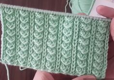 Making the sparrow finger knitting pattern used in each knitting Knitting Stiches, Finger Knitting, Knitting Videos, Baby Knitting Patterns, Stitch Patterns, Crochet Motifs, Pattern Making, Crochet Clothes, Tricks