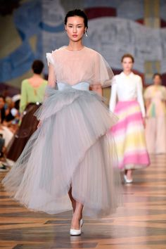 The Biggest Showstoppers from the Haute Couture Runways - Ulyana Sergeenko Vogue Fashion, Fashion Week, Runway Fashion, High Fashion, Fashion Show, Fashion Outfits, Fashion Design, Steampunk Fashion, Victorian Fashion