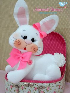 Bunny Crafts, Easter Crafts, Felt Crafts, Holiday Crafts, Diy And Crafts, Crafts For Kids, Sewing Toys, Sewing Crafts, Needle Felting Tutorials
