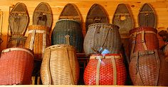 Its fair to say that my personal interest in woven Mexican Huarache footwear extends to everything woven. As far as I know despite all the technological advances in history, woven Huaraches just li… Old Baskets, Wicker Baskets, Vintage Baskets, Cabin Design, Rustic Design, Mochi, Pine Needle Baskets, Linen Storage, Basket Bag