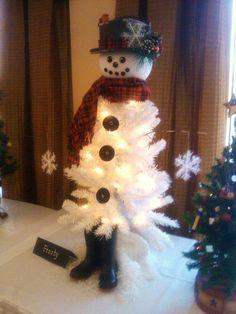 Transformer un vieux sapin de Noël blanc! C'EST MAGIQUE! 12 Modèles - Bricolages - Des bricolages géniaux à réaliser avec vos enfants - Trucs et Bricolages - Fallait y penser !