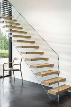 Escaliers - exclusif | Trappen Demunster, Waterven Heule, Trap, Trappen, Houten trap, Betontrap, Designtrap, Ronde trap, Ronde spiltrap, Spiltrap, Kasteeltrap, Klassieke trap, Trap met kuipstuk, Zwevende trap Cantilever Stairs, Staircase Handrail, Glass Stairs, Floating Stairs, Escalier Design, Home Stairs Design, Stairs Architecture, Modern Stairs, House Stairs