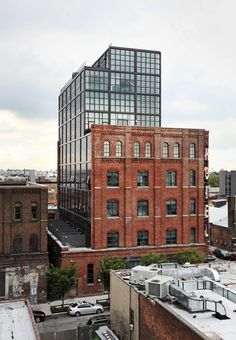 hotel architecture Exterior and Brick Siding Material Wythe Hotel by Dwell Hotel Design Architecture, Factory Architecture, Brick Architecture, Industrial Architecture, Contemporary Architecture, Brick Siding, Brick Facade, Building Exterior, Building Design